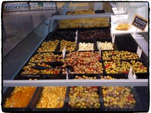 Mana paradīze. Nākamreiz noteikti nobaudīšu VISUS pieejamos olīvu veidus.. :)